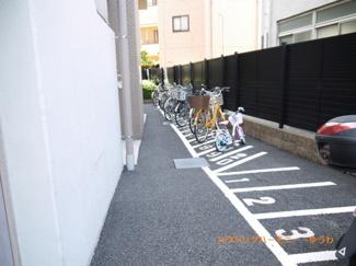 もちろん、敷地内には駐輪場あり
