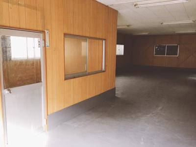 【内装】阪和線「浅香駅」から7分!前面駐車可!堺区 23.98坪!倉庫