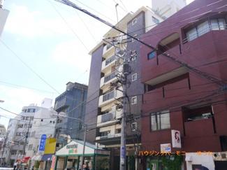 SRC地上9階建て地下1階付きのマンションとなります。