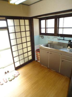 【居間・リビング】カラーズビンテージ高取山の家