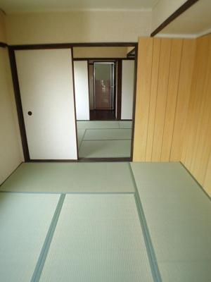 【寝室】カラーズビンテージ高取山の家
