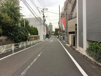 スッキリとした前面道路
