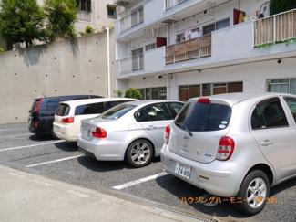 駐車しやすい敷地内駐車場