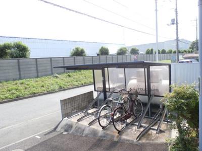 メゾン北里2000の自転車置き場は無料で使えます