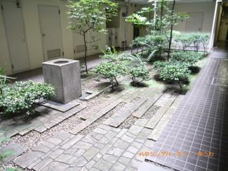 中庭があることにより、趣を楽しめます。