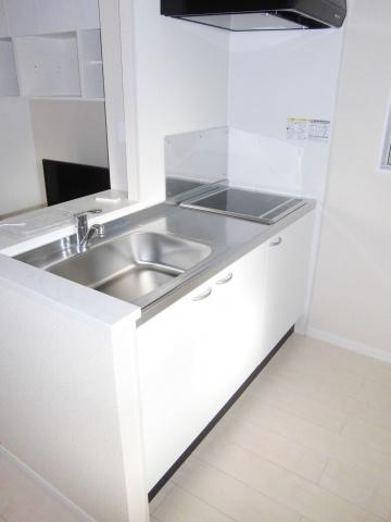 IH&ラジエントヒーターの2口コンロ完備、お料理やお掃除もラクラクです。