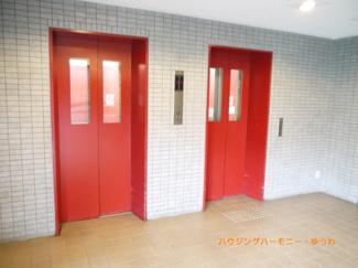 エレベーター2基あり、忙しい時間帯も安心です