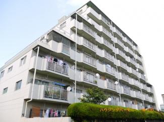 SRC地上8階建てのシャープなマンションとなります。