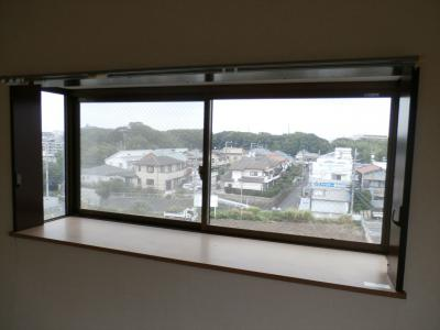 サンハウス稲毛の出窓