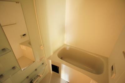 浴室乾燥機&追い焚き給湯付きのお風呂♪
