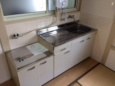 【キッチン】第2太陽ハイツ