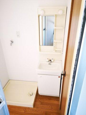 室内洗濯機置き場も完備!