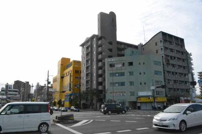 【外観】三国ヶ丘駅からすぐ!大通りに面した角地!店舗事務所 約28坪!