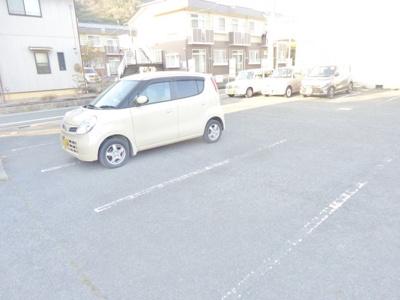 【駐車場】メゾンレスポワール A