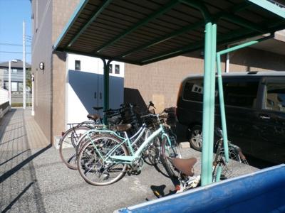 ハイツ司の駐輪場
