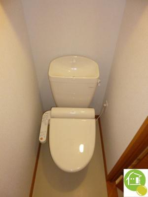 温水洗浄便座付き※室内のイメージです。