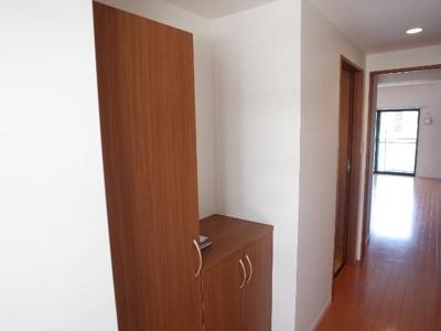 エコルクス地行(2LDK) 玄関 写真は別号室タイプです