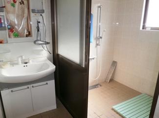 【浴室】恩納村名嘉真のペンション