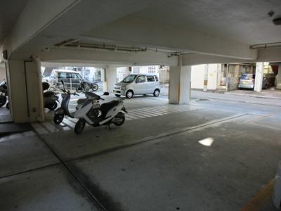 【駐車場】名嘉ビル