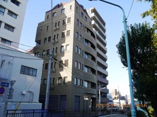 「駒込」駅より徒歩3分。1フロアー1住戸のプライベート感溢れる物件です。