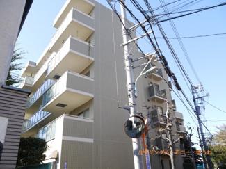 「本蓮沼」駅より徒歩2分の好立地。家具付きの広々3LDK+Wのマンションです。