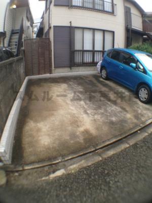 なんと駐車場1台無料使用可能!