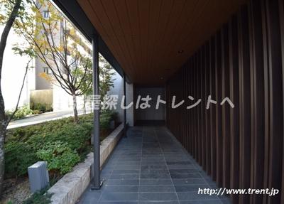 【エントランス】プラウド神楽坂
