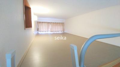 同タイプ室内:カーテン、照明付き