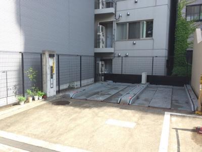レジディア恵比寿Ⅱの駐車場です。