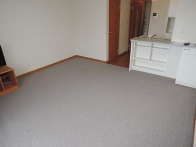 ※2F以上は絨毯になります。