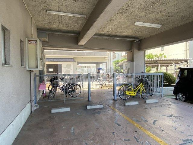 有宏ハイツ(法善寺駅) 自転車置き場
