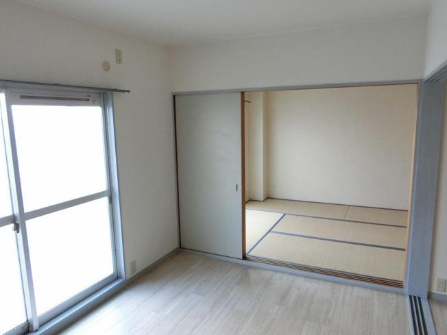 長井マンション 洋室