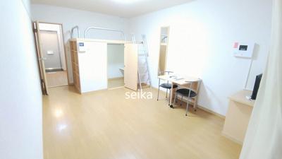 同タイプ:飾り棚の上がベッドスペース、下がウォークインクローゼットです