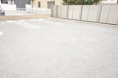 【駐車場】ニコル