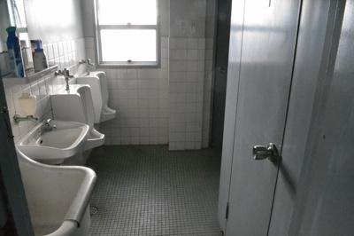 【トイレ】堺東から10分!中央環状線沿い「堺インター」からすぐ!約9坪!事務所3階
