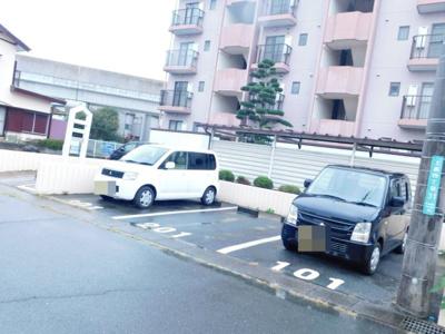 【駐車場】グランドパレス