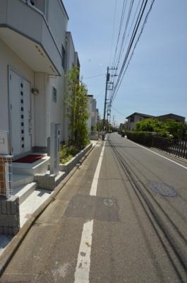 【前面道路含む現地写真】キャスティア世田谷喜多見