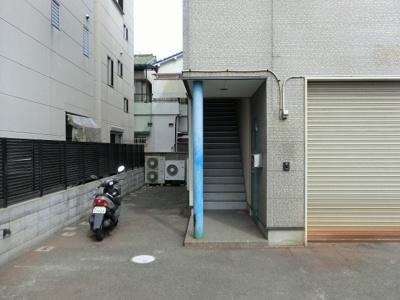 【外観】営業所向 店舗・事務所