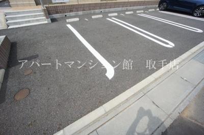 【駐車場】アニューコリーヌs