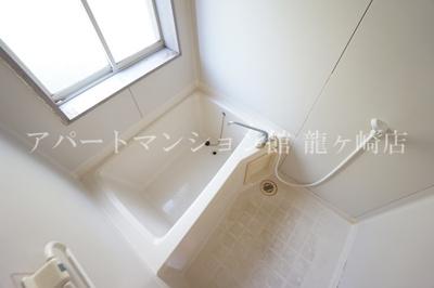 浴室に窓があります☆