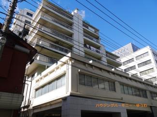 2駅3路線利用可能な「高田馬場」駅より徒歩6分の好立地。室内充実設備のリノベーションマンションです。