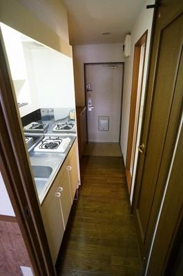 廊下は少し狭く感じるかもしれません!