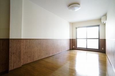 ソファーや家具で仕切って使えば1DKとしても使えますね!