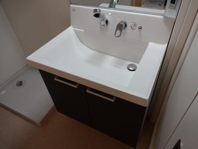パラツィーナ玉手 独立洗面台 シャンプードレッサー