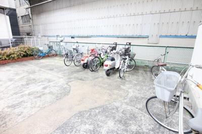 敷地内の駐輪場