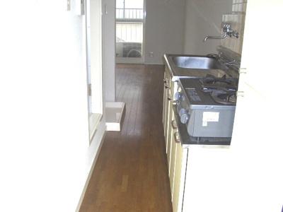202号室のキッチンの写真です
