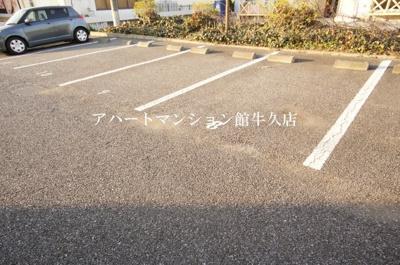 【駐車場】サーフライダー