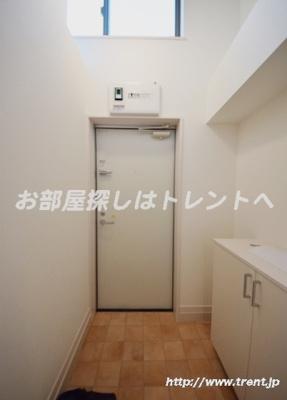 【玄関】インベスト神楽坂