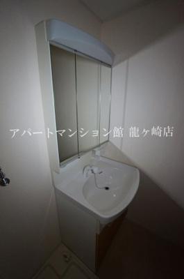 【独立洗面台】ラフィーネ佐貫中央A棟