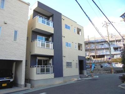 木造3階建ての新築アパート★